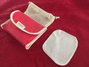 Pochette en tissu avec filet et carré de coton