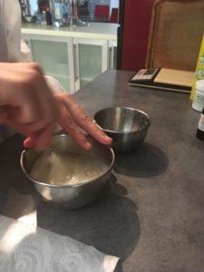 Mélange des ingrédients au fouet